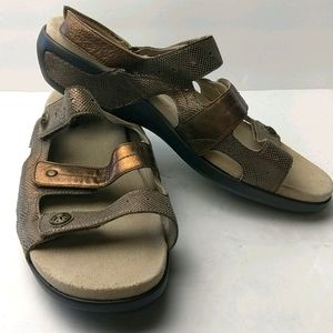 Aravon gold metallic sandals size 12d
